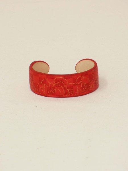 画像1: 革バングル 手纏「tamaki」line 菊 red (1)